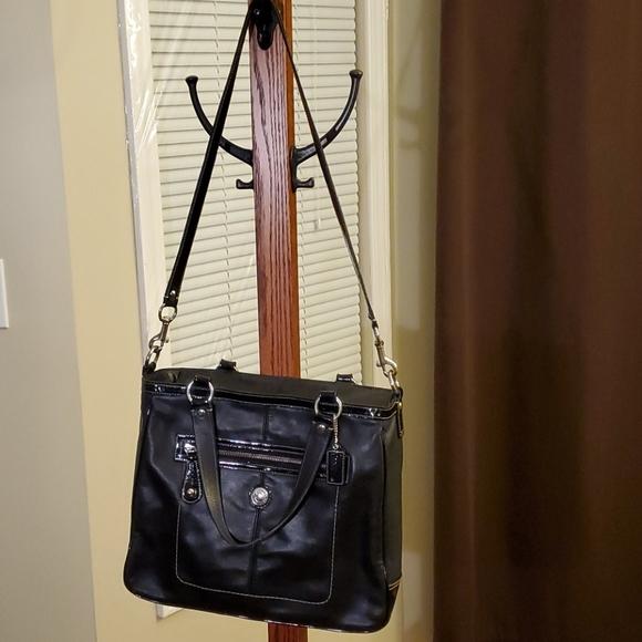 Coach Handbags - COACH LAURA WOMEN'S SHOULDER BAG